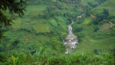 Between Sapa and Lao Cai